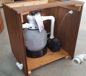 Filtrační systém kompletní, včetně dřevěného krytí